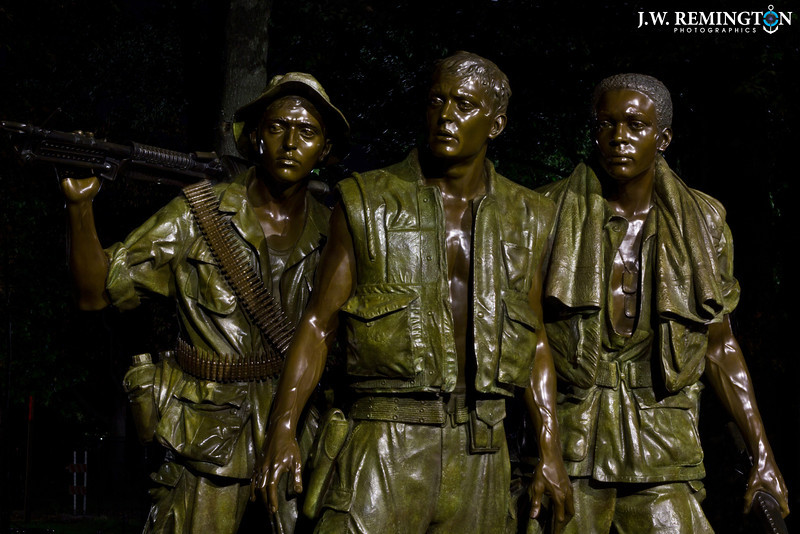 The Three Soldiers at Night, Color