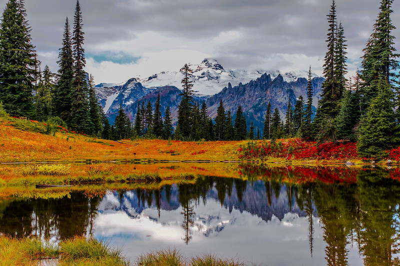 Autumn Serenity at Upper Tipsoo Lake