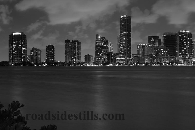 Miami Skyline 328BW