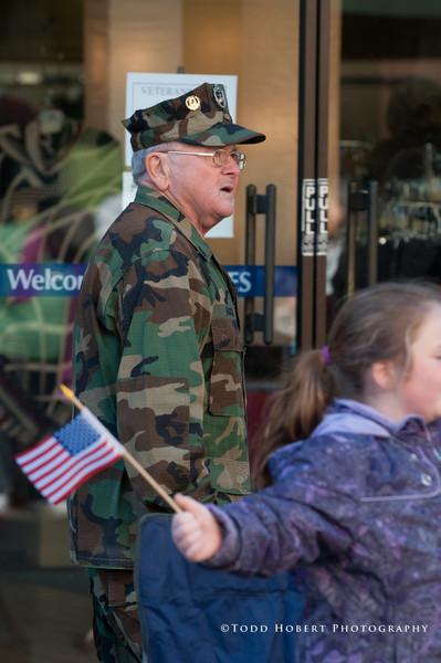 121110-Auburn Veterans Day Parade-105