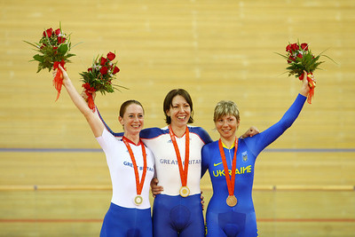 Olympics+Day+9+Cycling+Track+Silver medalist Wendy Houvenaghel of Great Britain, gold medalist Rebecca Romero of Great Britain and bronze medalist Lesya Kalitovska of Ukraine pose with their medals, women's track cycling