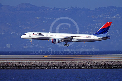 B757 00018 Boeing 757 Delta Airline N658DL SFO October 2003 by Peter J Mancus