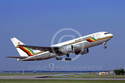 B767 00028 Boeing 767-200 Air Zimbabwe Z-WPF 5 April 1998 by Mathias Becker