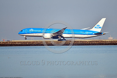 B787 0021 A Boeing 787 Dream Liner, KLM PH-BHI, landing at SFO, 12-2017, jet airliner picture by Peter J  Mancus     DONEwt