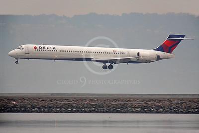 MD-88 00104 McDonnell Douglas MD-88 Delta N904DA by Peter J Mancus
