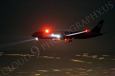 ALPN 00007 United Airline Boeing 767 landing at SFO in San Francisco at night, by Peter J Mancus