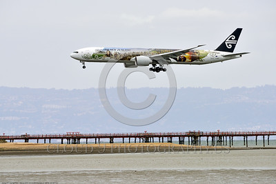 AEE-B777 0002 A Boeing 777 Air New Zealand ZK-OKP in special Hobbit color scheme lands at SFO 4-2016 airpliner picture by Peter J  Mancus