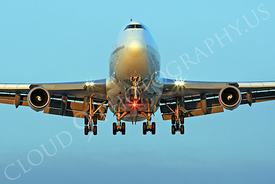 FFAL 00001 A head-on airliner picture of a Boeinng 747 about to land, by Peter J Mancus
