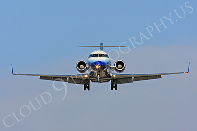 FFAL 00002 A head-on airliner picture of a United Express Bombardier Canadair CRJ900 about to land, by Peter J Mancus