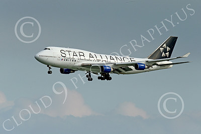 B747 01546 A Boeing 747 United Airline STAR ALLIANCE on final approach to land at SFO 12-2014 airliner picture by Peter J Mancus
