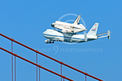 NASA-Space Shuttle 00020 The space shuttle Endeavour in fligtht on a NASA Boeing 747 N905NA over the Golden Gate Bridge, on its last flight on September 21, 2012, by Peter J Mancus