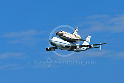 NASA-Space Shuttle 00006 A quarter front view of the space shuttle Endeavour in fligtht on a NASA Boeing 747 N905NA on its last flight over California, airplane picture, by Peter J Mancus