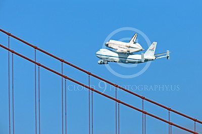 NASA-Space Shuttle 00026 The space shuttle Endeavour in fligtht on a NASA Boeing 747 N905NA over the Golden Gate Bridge, on its last flight on September 21, 2012, by Peter J Mancus