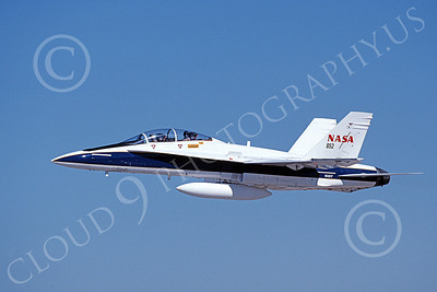 NASA-F-18 00006 A flying McDonnell Douglas F-18B Hornet NASA 852 161217 10-1999 airplane picture by Michael Grove, Sr