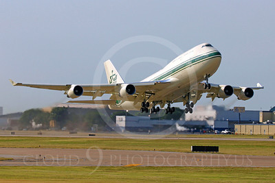 BIZJET-B747 00002 A Saudi prince's Kingdom Holding Company Boeing 747 N747BZ taking off from Love Field, by Tim Perkins