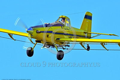 CropDuster 0024 A tight crop of a low flying Air Tractor Inc  AT-401 crop duster, N9179N, descends to spray a field in Wasco, California 8-2017 crop duster picture by Peter J  Mancus     DONEwt