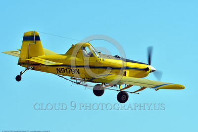 CropDuster 0016 A low flying Air Tractor Inc  AT-401 crop duster, N9179N, climbs up to turn to continue spraying a field in Wasco, California 8-2017 crop duster picture by Peter J  Mancus     DONEwt