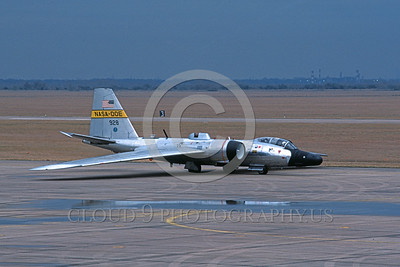 NASA-B-57 00003 A taxing bare metal NASA-DOE Martin WB-57F Canberra 928 2-1988 NASA airplane picture by Mark Guidi