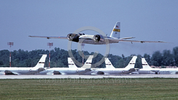 NASA-B-57 00010A A flying Martin NASA RB-57 Canberra Earth Survey aircraft 926 7-1981 NASA airplane picture by Michael Grove, Sr