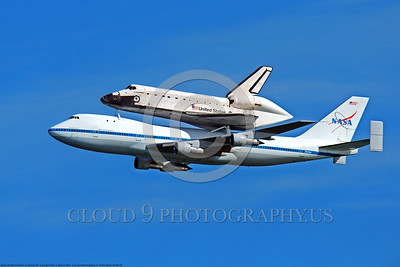 NASA-Space Shuttle 00002 The space shuttle Endeavour in flight on a NASA Boeing 747 N905NA on its last flight over California, airplane picture, by Peter J Mancus DONE