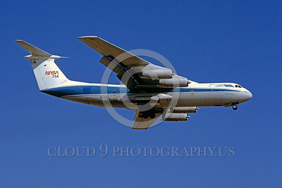 NASA-C-141 00002 A landing Lockheed C-141 Starlifter NASA N714NA 7-1989 NASA airplane picture by Peter J Mancus