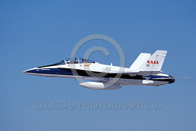 NASA-F-18 00006 A flying McDonnell Douglas F-18B Hornet NASA 852 161217 10-1999 NASA airplane picture by Michael Grove, Sr