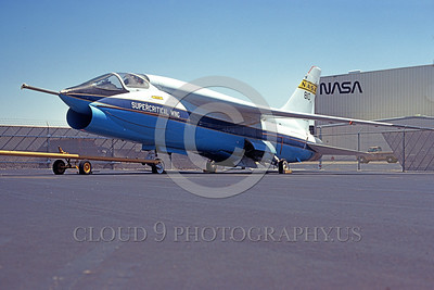 NASA-F-8 00001 A static NASA Super Critical Wing Vought F-8 Crusader 5-1980 military airplane picture by Ron McNeil