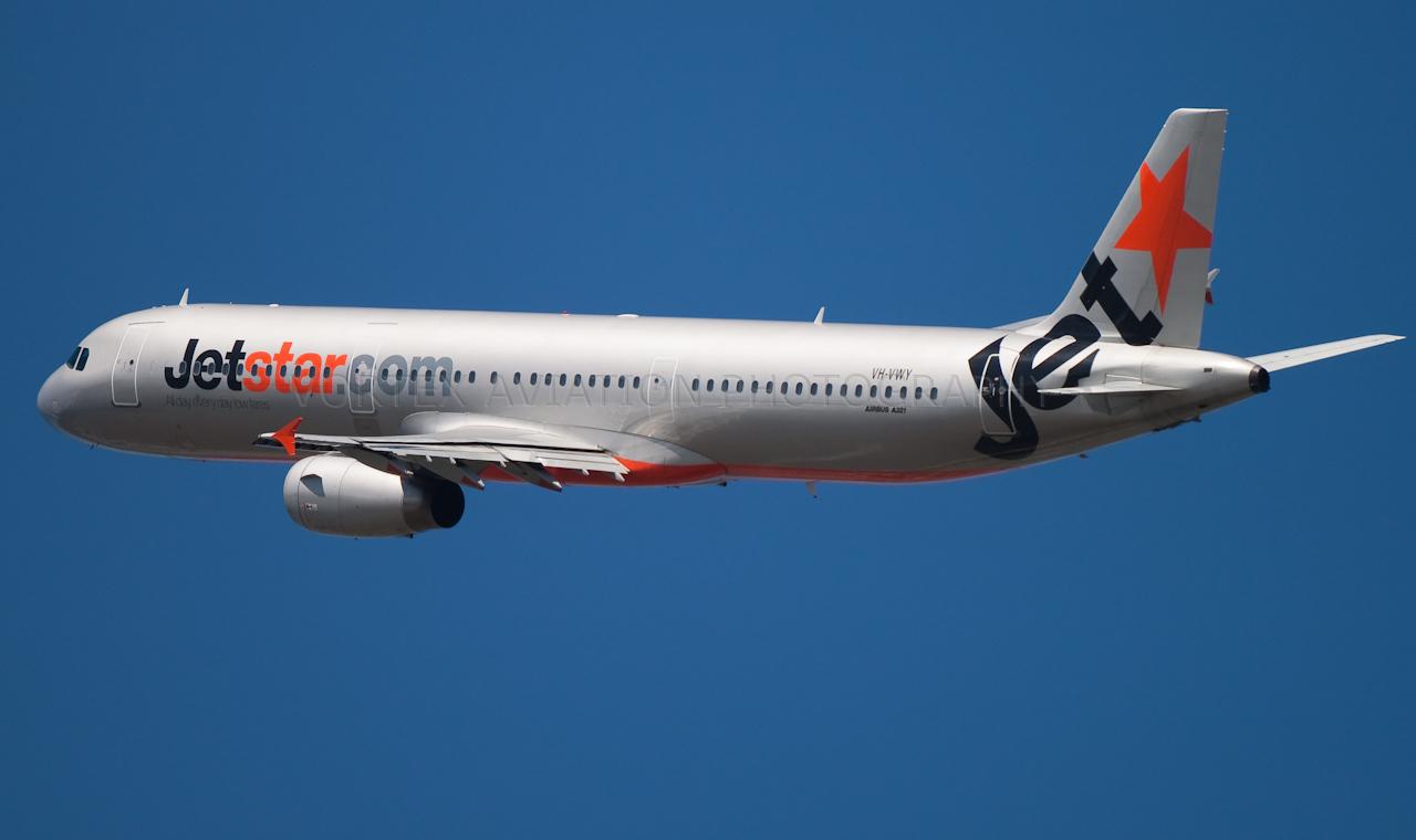 http://www.vortexaviationphotography.com/Civil-Aviation-Photography/Cairns/IMG4351/1008592007_FyTgY-X2.jpg