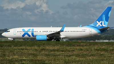 XL Airways 737-800
