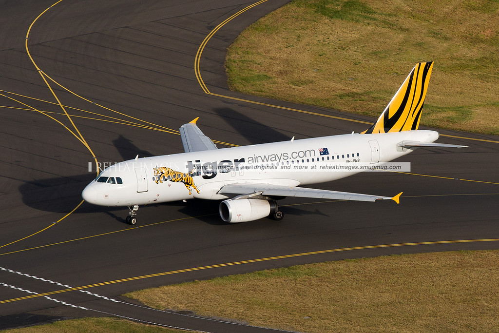 Tiger Airways Airbus A320 - taxi at Sydney Airport