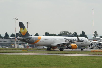 G-TCDE Thomas Cook Airlines Airbus A321-211(WL) c/n 6056 @ East Midlands Airport / EGNX 31.07.14