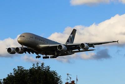 A6-APC Etihad Airways Airbus A380-861 cn 176 @ London Heathrow / EGLL 08.09.16