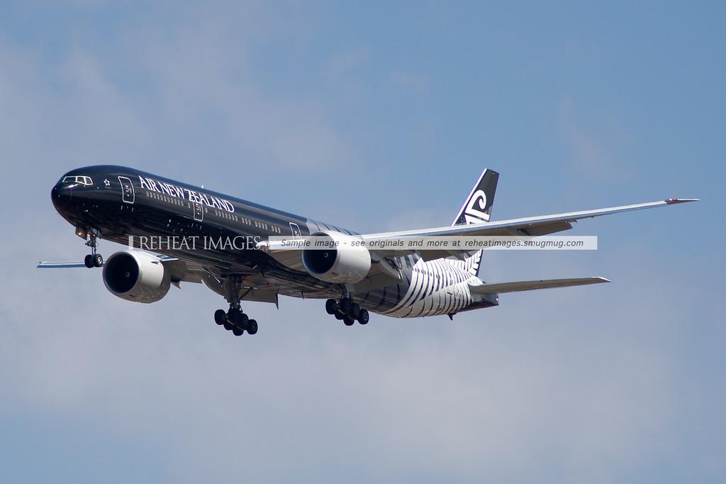 Air New Zealand Boeing B777-319/ER in the 'All Blacks' colour scheme.