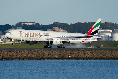 Emirates B777-300/ER A6-ECL lands in Sydney