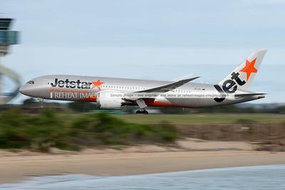Jetstar Boeing 787-8 VH-VKF takeoff