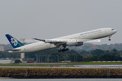 Air New Zealand Boeing 777-319/ER takes off from Sydney airport.