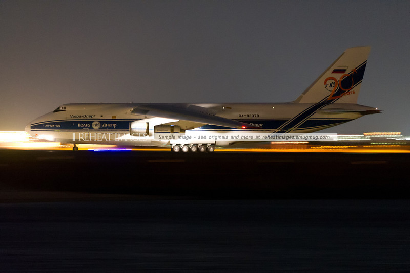 Volga Dnepr Antonov AN-124 plane arrived in Sydney at 9:16pm at night, many hours late. This photo was possible using ISO12800 and very low shutter speed. The Wimberley Tripod Head version 2 is also very useful for very low shutter speed panning.