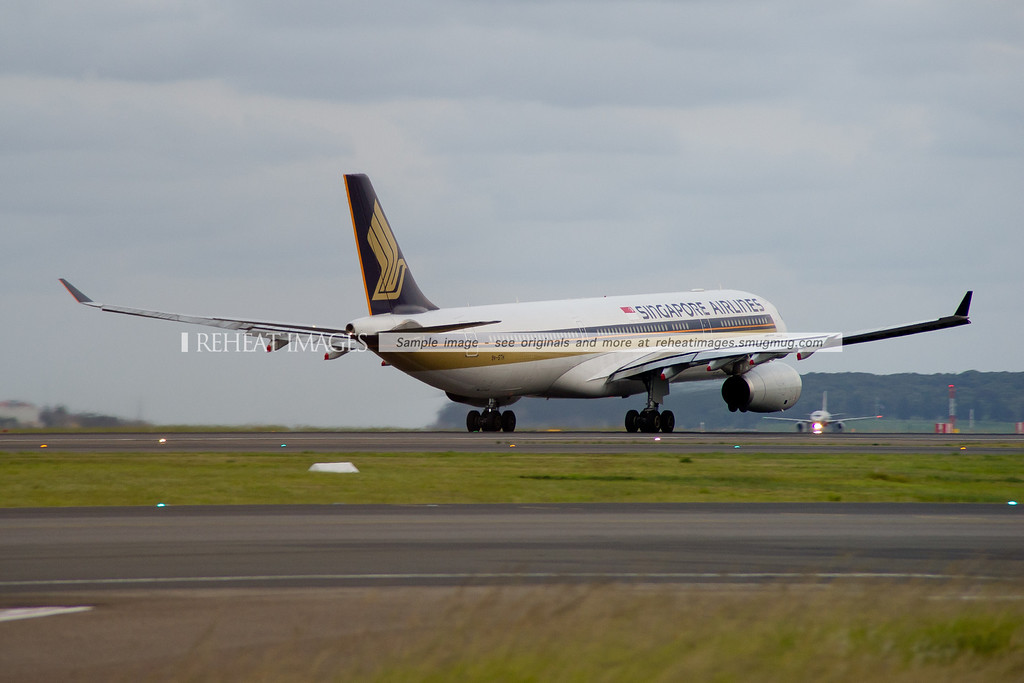 Singapore Airlines Airbus A330-300 departs Sydney airport.