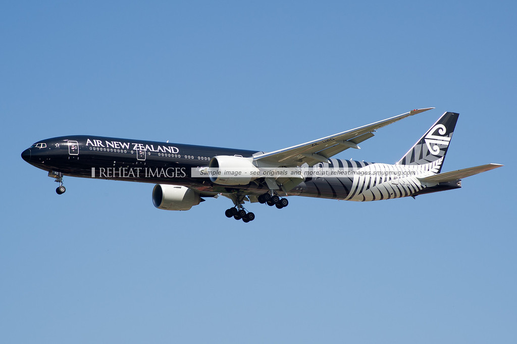 Air New Zealand Boeing B777-319/ER in the 'All Blacks' colour scheme.