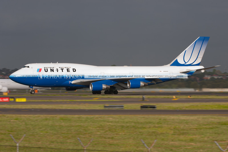 United Airlines B747 takes off from runway 16 right at Sydney airport.