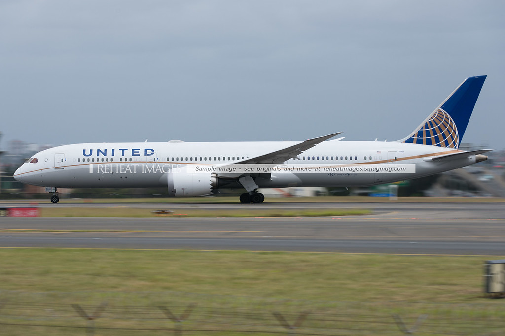 United Airlines Boeing 787-9 Dreamliner N26960