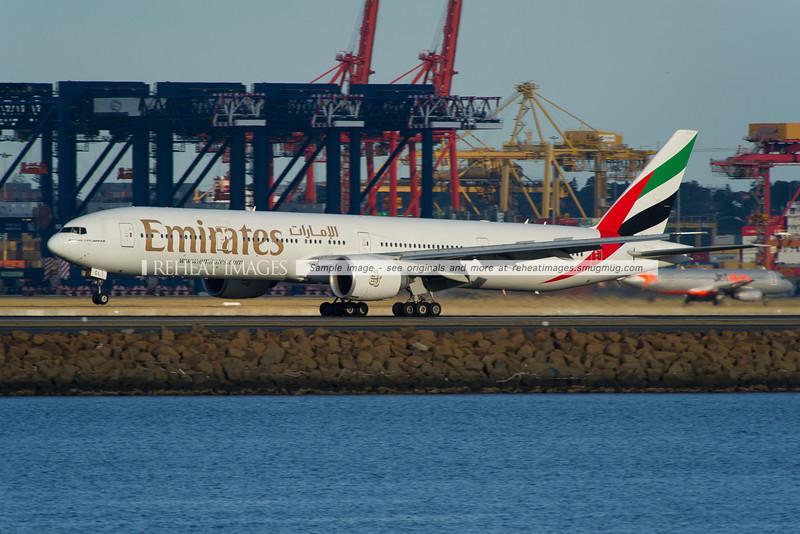 Emirates B777-300/ER A6-ECL lands in SEmirates B777-300/ER A6-ECL lands in Sydneyydney
