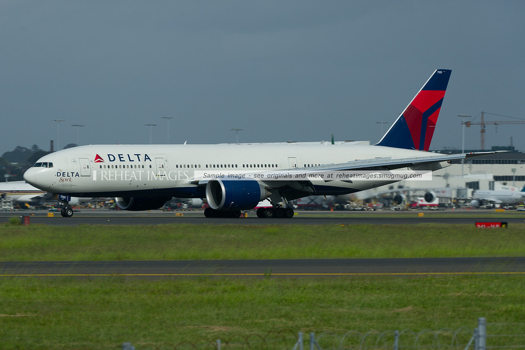 The Delta Spirit B777-232/LR arrives in Sydney. Ship 7101 carries the special motif in recognition of all the Delta employees worldwide.