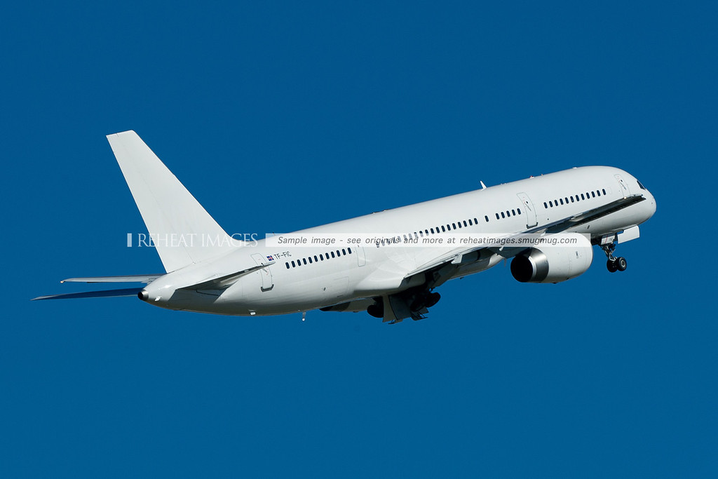 Iceland Air B757-200 replacing the Air Nuigini Boeing 767-300/ER temporarily, leaving Sydney.