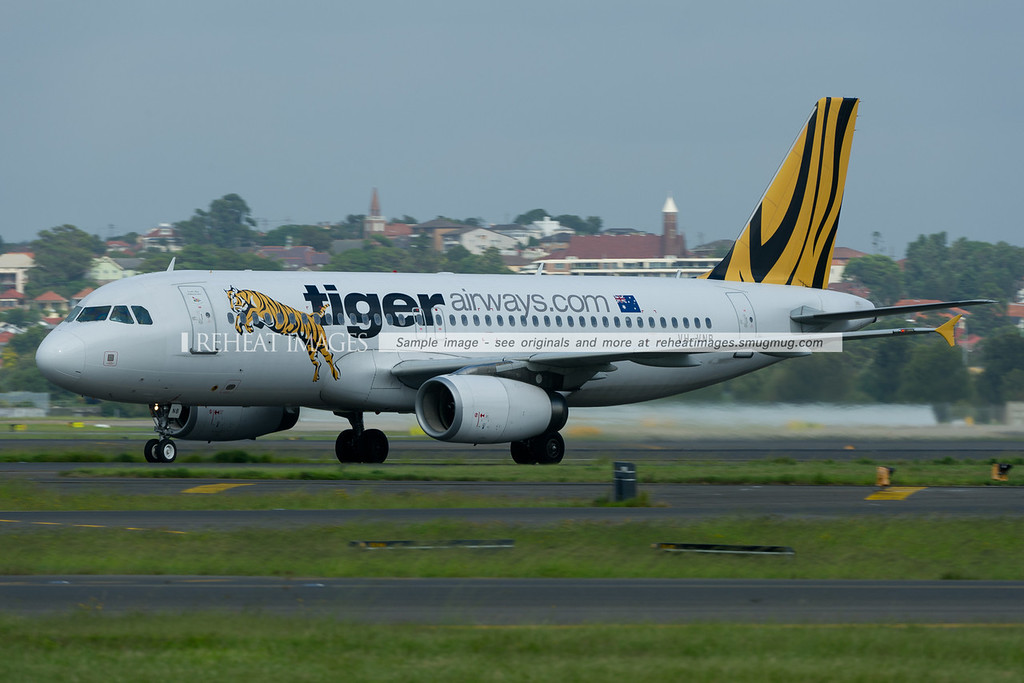 Tiger Airways Airbus A320 arrives in Sydney.