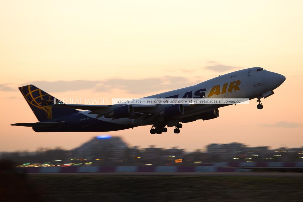 Atlas Air, Boeing, B747, takeoff, Sydney, reheat images, panning