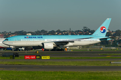 Korean Air Boeing 777-2B5/ER at Sydney Airport