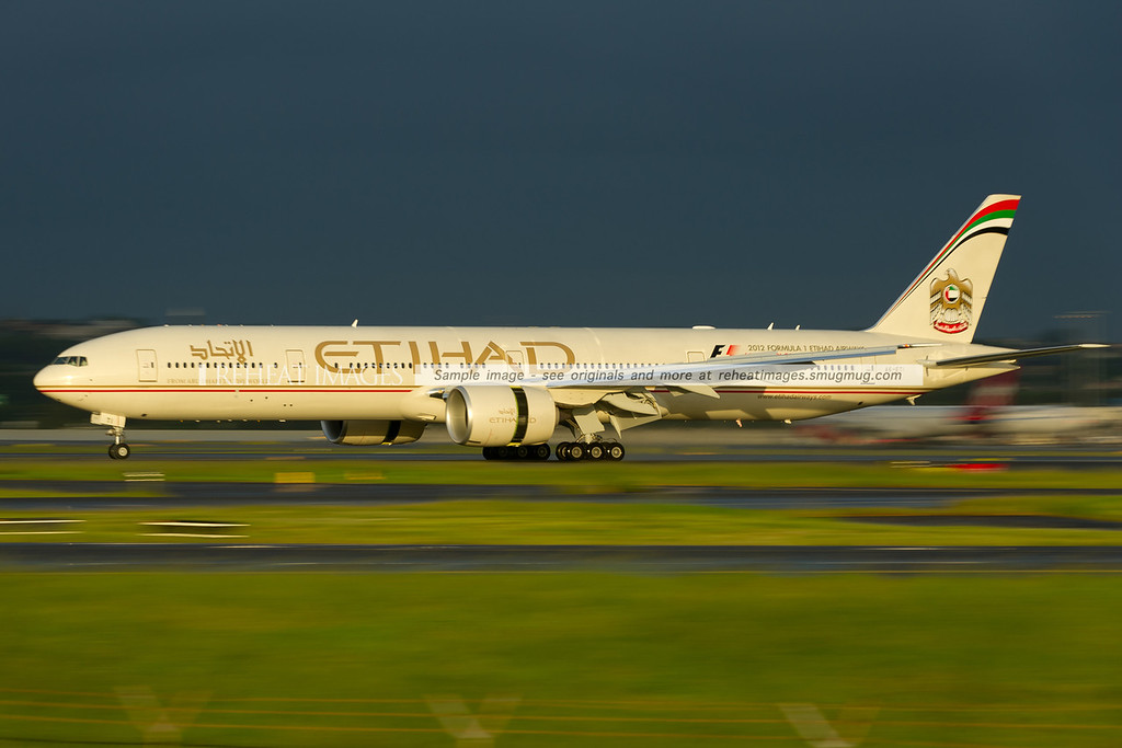 Barely 1 month old Etihad Boeing 777-3FX/ER A6-ETI arrives in Sydney airport. It is replacing Virgin Australia B777-3ZG/ER on certain flights to Abu-Dhabi.