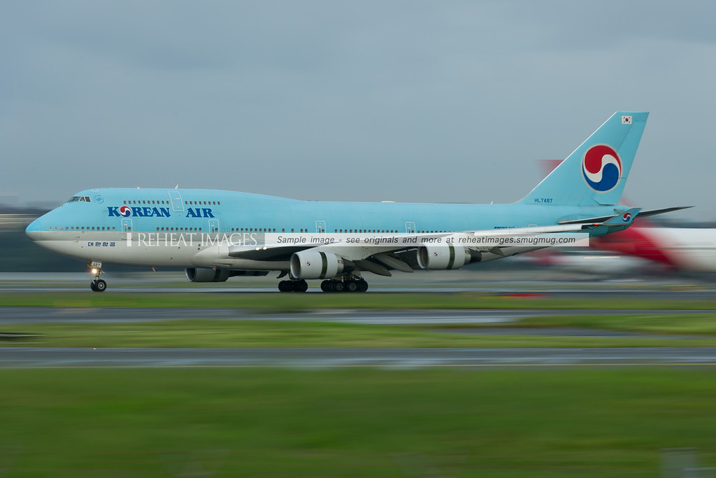 Korean Air Boeing 747-400 at Sydney.