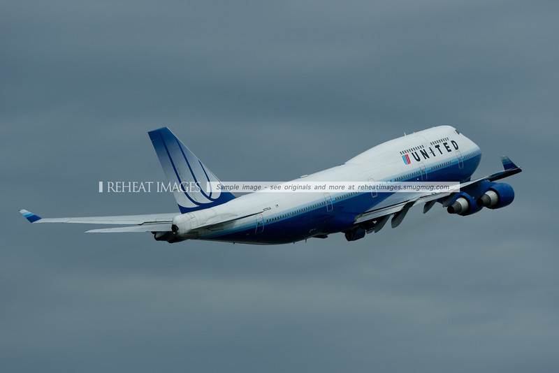 A United Airlines Boeing 747-422 leaves Sydney airport.
